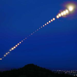 皆既月食連続撮影画像