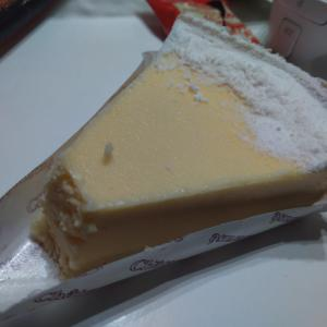 シャトレーゼのベイクドチーズケーキにスフレチーズケーキ