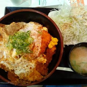豚屋 とん一 スマーク伊勢崎店の特カツ丼ご飯大盛 キャベツみそ汁セット