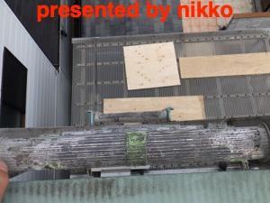 木造の三階建手の屋根上のトップライトの雨漏りの修理。
