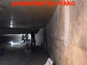 地下の切付け部の止水工事。