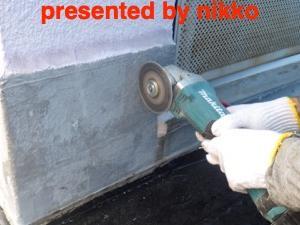 苦戦中のドア下の雨漏り修理はやっと原因がわかりましたヨ。(^^;;