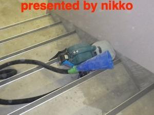 階段室の壁のクラック修理。