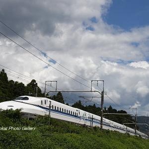 夏雲と新幹線1