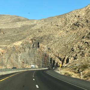 絶景!ヴァージン川の峡谷道路。ネバダ州から編。