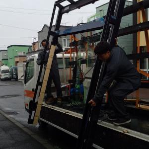 玄関風除室 追加工事 で 袖格子取付ました 札幌市 南区 石山 1条8丁目 16-8 H邸