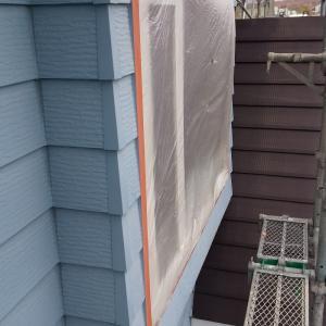 塗装工事  窓養生しました。 札幌南区石山1条7丁目29  M 邸
