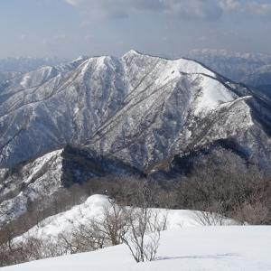 積雪期小津三山縦走記(1)―雷倉(1,169m)まで