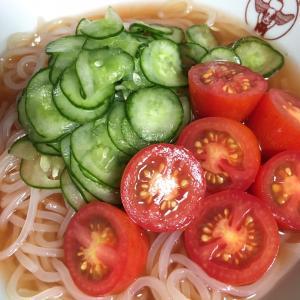トマト冷麺と冷たいトマトラーメン