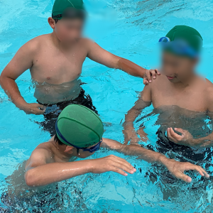 水泳でも学び合いの力!