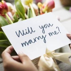 お金と結婚とビザと