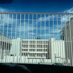 在カンボジア日本大使館で指紋採取