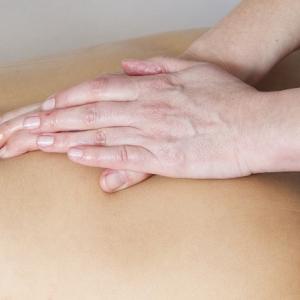 治療院に定期的に通っているのに改善しない腰痛でご来店
