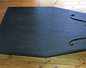 チェロ演奏台 ブラックバージョン