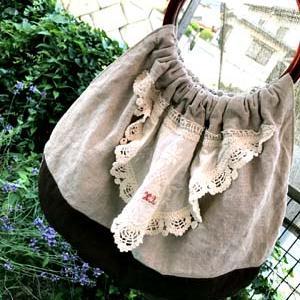 今は除菌ができるビニール籠か布バッグ。