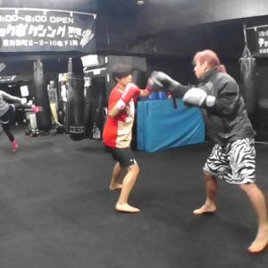 格闘技で痛い思いをしない方法 キックボクシング 新宿スポーツジム