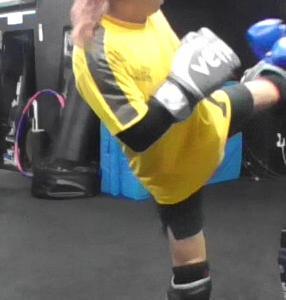 ミドルキックを当てる方法 新宿でキックボクシングのテクニック磨きたいなら新宿スポーツジム