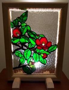 京都リビングカルチャーの中西様の作品が完成しました。ガラスを溶かして丁寧に制作されました。