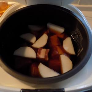 炊飯器で豚の角煮、材料を入れるだけ!ああ、幸せ!
