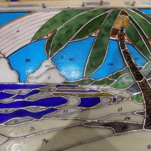 京都リビングカルチャーの芝田様の「虹の海辺」完成間近です!