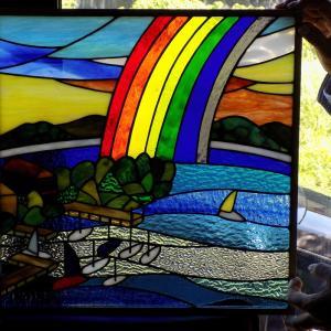 琵琶湖にお住いの佐々木様のドア窓「虹の琵琶湖」デザインはご主人さまです!