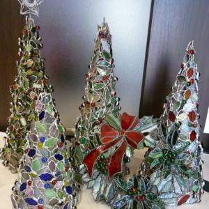 そろそろクリスマス作品に取り掛かるころ、生徒様の作品少しだけご紹介!