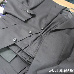 【専門店のオーダー】暑さ梅雨の中ですがスーツは必要です。オーダー仕上っています。
