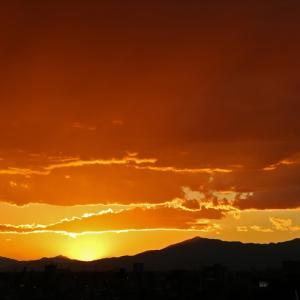 夕日、東京・目黒区・大岡山・写真右側、富士山方面
