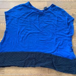 漂白剤で脱色した青・黒レースのカットソー。点々と色抜けしてしまってるのです・・・ 刺繍でカバーしようかなww紫のティアードワンピースも。