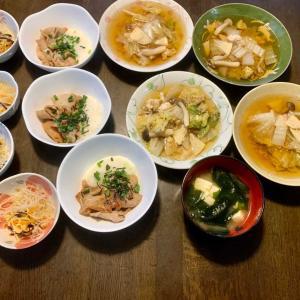 夕食は、豚・とろろ・ネギ・海苔、鶏そぼろ・白菜・しめじ・筍煮、春雨サラダ、豆腐・わかめの味噌汁、アメリカンチェリー。