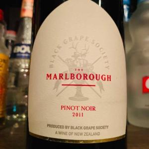 ニュージーランドの赤ワイン、ブラック・グレープ・ソサエティ ピノ・ノワール。