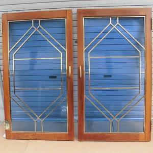 ルイの部屋 ブルーガラス 観音開き ステンド風飾り窓ドア
