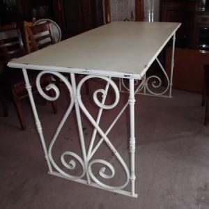 デザインが素敵なワークテーブル ディスプレイテーブル