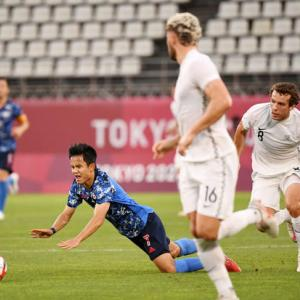 【日本代表 vs ニュージーランド】前半終了!日本は何度かチャンスを掴むも決めきれず! 0-0 で折り返す!