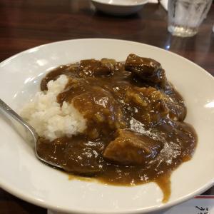 横浜中華街でカレーを食べる!うまい!「保昌」さんの「牛バラ肉カレーご飯」