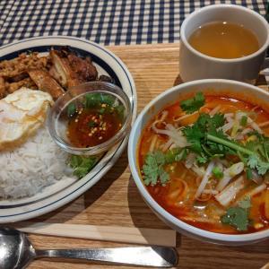 秋葉原のヨドバシカメラの中にある「タイ国麺飯 ティーヌン」さん。