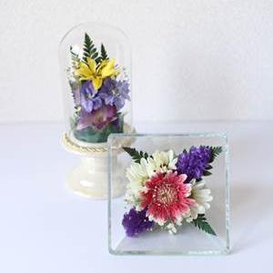 菊を使ったボトルフラワー(仏花)