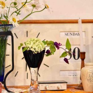 今日の庭 ガラスの花器
