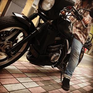 常連J様バイクで来店!ヌーディージーンズ ×kawasakiバイク ファッション