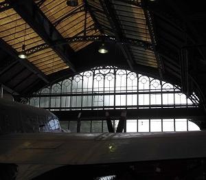 博物館の窓 マンチェスター(英国)