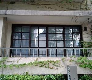 住宅の窓 表参道(東京)