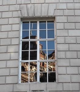 図書館の窓 マンチェスター(英国)