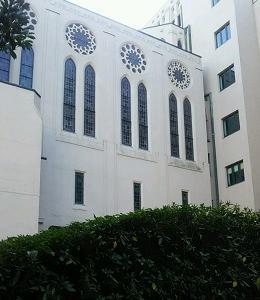 礼拝堂の窓 築地(東京)