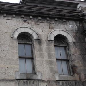 ビルの窓 旭川(北海道)