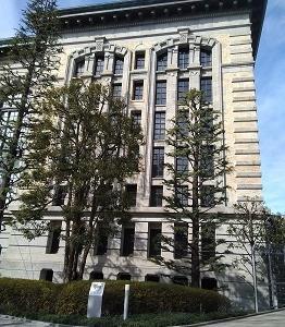 図書館の窓 上野(東京)