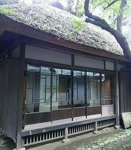 住宅の窓 世田谷(東京)