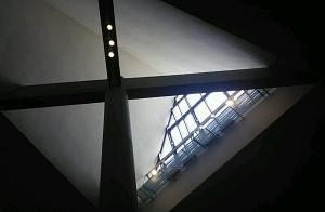 美術館の窓 上野公園(東京)