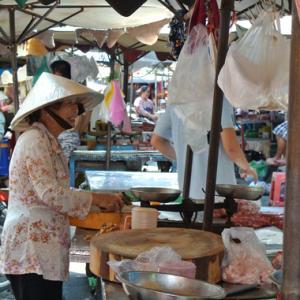 ホーチミン★楽しい市場巡りとプラカゴの聖地CHI TU