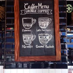 ホーチミン★Papaya cafe 卵黄2個で作るエッグコーヒーが濃厚ウマ過ぎる