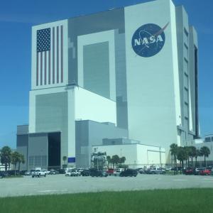 ケネディー宇宙センターでロケット発射を観る①